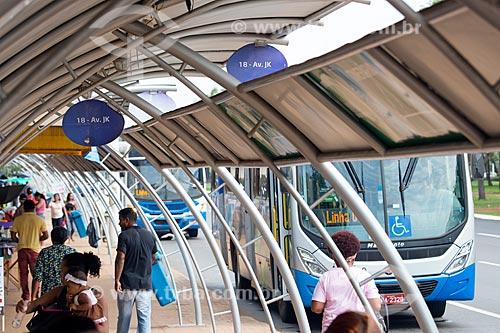 Ônibus na Estação Apinajé - Quadra 101 Norte  - Palmas - Tocantins (TO) - Brasil
