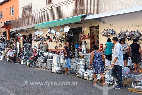 Panelas e outros itens à venda em loja de utilidades domésticas  - Juazeiro do Norte - Ceará (CE) - Brasil