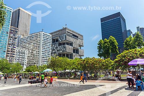Vista do Largo da Carioca com o edifício sede da Petrobras à - esquerda - e do edifício sede do Banco Nacional de Desenvolvimento Econômico e Social (BNDES) - à direita  - Rio de Janeiro - Rio de Janeiro (RJ) - Brasil
