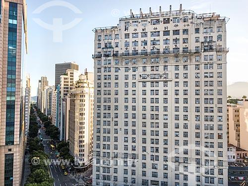 Foto feita com drone da Avenida Rio Branco (1904) com o Edifício Joseph Gire (1929) - também conhecido como Edifício A Noite  - Rio de Janeiro - Rio de Janeiro (RJ) - Brasil