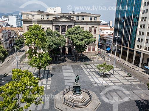 Foto feita com drone da Largo de São Francisco de Paula com a estátua de José Bonifácio e o Instituto de Filosofia e Ciências Sociais da Universidade Federal do Rio de Janeiro  - Rio de Janeiro - Rio de Janeiro (RJ) - Brasil