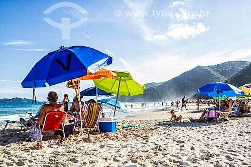 Banhistas na Praia dos Açores  - Florianópolis - Santa Catarina (SC) - Brasil