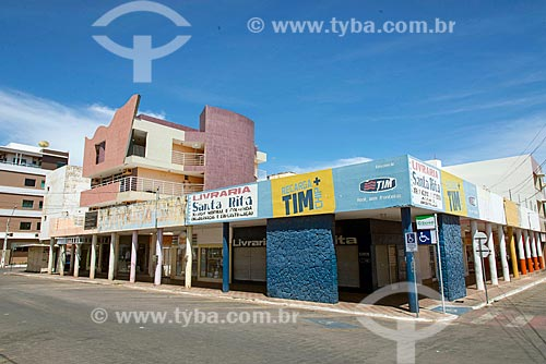 Comércios fechados em rua comercial  - Sousa - Paraíba (PB) - Brasil