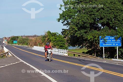 Rodovia Governador Antônio Mariz (BR-230) - trecho da Rodovia Transamazônica - próximo a ponte sobre o Rio Santo Antônio  - Cajazeiras - Paraíba (PB) - Brasil