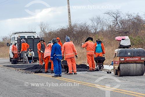 Operação tapa-buraco em trecho da Rodovia PB-386  - Conceição - Paraíba (PB) - Brasil