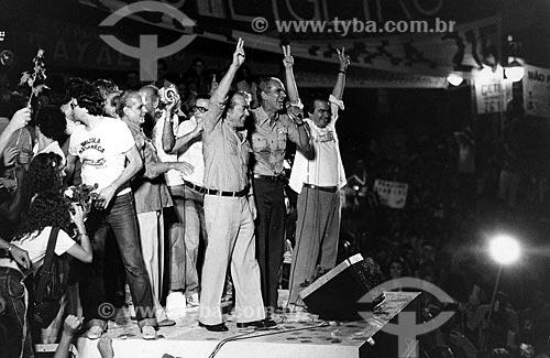 Leonel Brizola, Saturnino Braga e Darcy Ribeiro durante o comício da campanha de Brizola ao governo do Estado do Rio de Janeiro  - Rio de Janeiro - Rio de Janeiro (RJ) - Brasil