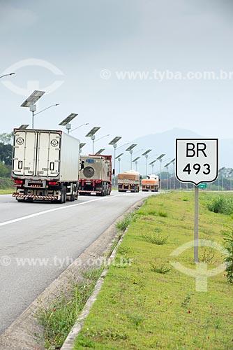 Caminhões no Arco Metropolitano  - Rio de Janeiro - Rio de Janeiro (RJ) - Brasil