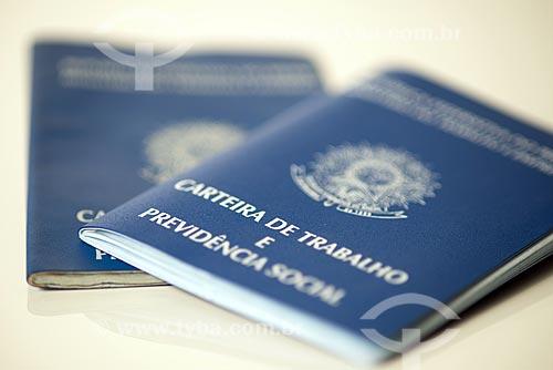 Detalhe de carteira de trabalho  - Rio de Janeiro - Rio de Janeiro (RJ) - Brasil
