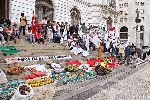Feira da Reforma Agrária na escadaria do Palácio Pedro Ernesto (1923) - sede da Câmara Municipal do Rio de Janeiro  - Rio de Janeiro - Rio de Janeiro (RJ) - Brasil