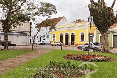 Vista da Praça General Carneiro com o Teatro São João e o Museu Histórico da Lapa ao fundo  - Lapa - Paraná (PR) - Brasil