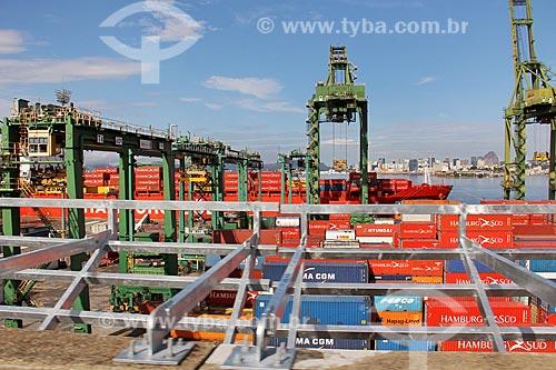 Navio cargueiro ancorado no Porto do Rio de Janeiro  - Rio de Janeiro - Rio de Janeiro (RJ) - Brasil
