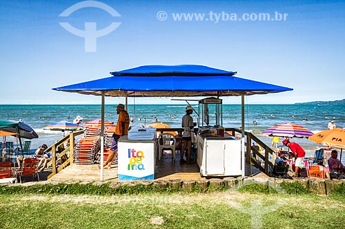 Quiosque na orla da Meia Praia  - Itapema - Santa Catarina (SC) - Brasil