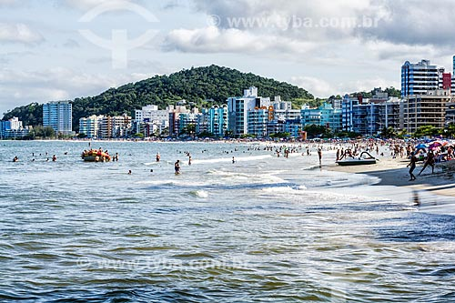 Banhistas na Praia Central  - Itapema - Santa Catarina (SC) - Brasil