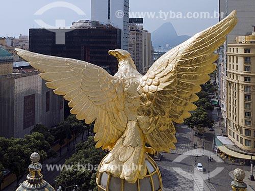 Foto feita com drone da águia no telhado do Theatro Municipal do Rio de Janeiro (1909) com o Pão de Açúcar ao fundo  - Rio de Janeiro - Rio de Janeiro (RJ) - Brasil
