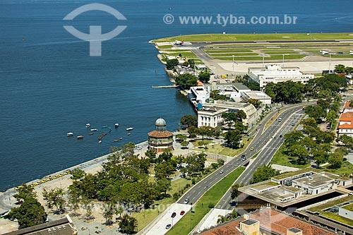 Foto feita com drone da Praça Marechal Âncora com o Aeroporto Santos Dumont ao fundo  - Rio de Janeiro - Rio de Janeiro (RJ) - Brasil