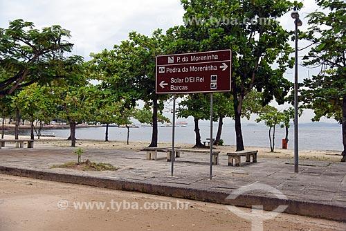 Placa informativa na orla da Praia da Moreninha  - Rio de Janeiro - Rio de Janeiro (RJ) - Brasil