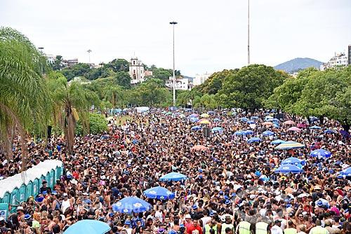 Desfile do bloco de carnaval de rua Chora Me Liga - da dupla sertaneja João Lucas & Matheus - com a Igreja de Nossa Senhora da Glória do Outeiro ao fundo  - Rio de Janeiro - Rio de Janeiro (RJ) - Brasil