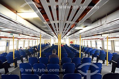 Interior de barca que faz a travessia entre Rio de Janeiro e a Ilha de Paquetá  - Rio de Janeiro - Rio de Janeiro (RJ) - Brasil