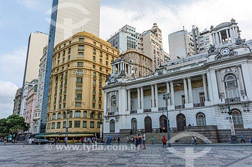 Fachada de prédios na Cinelândia com o Palácio Pedro Ernesto (1923) - sede da Câmara Municipal do Rio de Janeiro - à direita  - Rio de Janeiro - Rio de Janeiro (RJ) - Brasil
