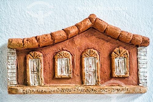 Detalhe de artesanato em cerâmica - casario - no Ribeirão da Ilha  - Florianópolis - Santa Catarina (SC) - Brasil