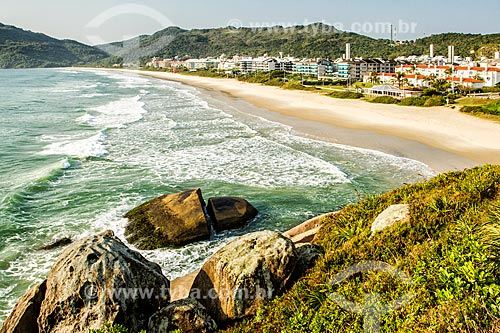 Vista da orla da Praia Brava  - Florianópolis - Santa Catarina (SC) - Brasil