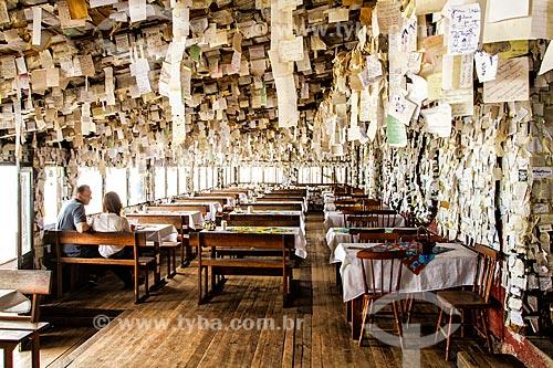 Interior do Bar e Restaurante do Arante - também conhecido como Restaurante dos Bilhetinhos - na Praia do Pântano do Sul  - Florianópolis - Santa Catarina (SC) - Brasil