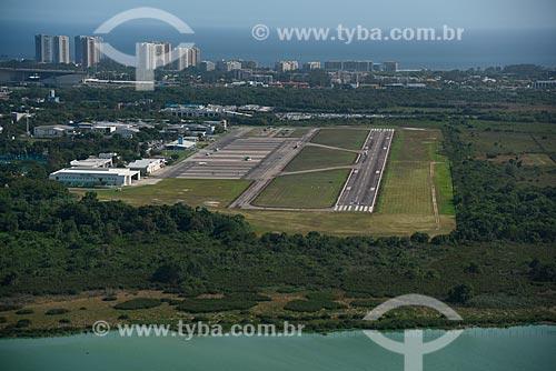 Foto aérea do Aeroporto Roberto Marinho - mais conhecido como Aeroporto de Jacarepaguá  - Rio de Janeiro - Rio de Janeiro (RJ) - Brasil