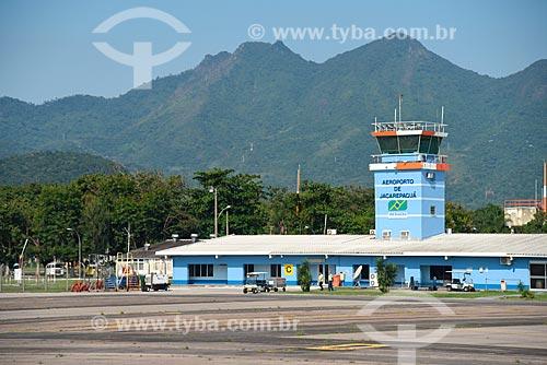Vista da pista do Aeroporto Roberto Marinho - mais conhecido como Aeroporto de Jacarepaguá  - Rio de Janeiro - Rio de Janeiro (RJ) - Brasil
