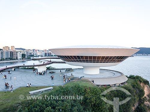 Foto feita com drone do Museu de Arte Contemporânea de Niterói (1996) - parte do Caminho Niemeyer  - Niterói - Rio de Janeiro (RJ) - Brasil