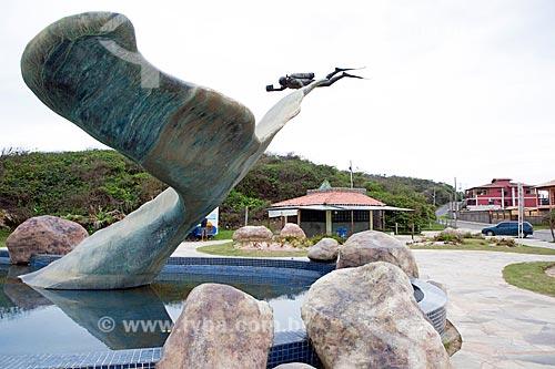 Detalhe de escultura na Praça da Baleia Jubarte  - Rio das Ostras - Rio de Janeiro (RJ) - Brasil