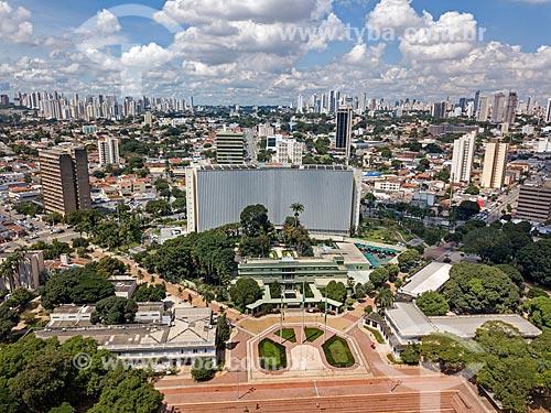 Foto feita com drone do Palácio das Esmeraldas (1933) - sede do Governo do Estado - com o Palácio Pedro Ludovico Teixeira - sede administrativa da Secretaria de Fazenda - ao fundo  - Goiânia - Goiás (GO) - Brasil