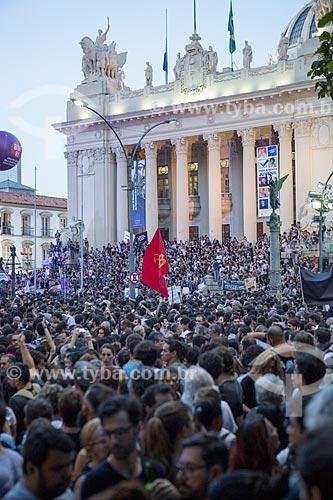 Manifestação pelo assassinato da Vereadora Marielle Franco - assassinada a tiros em 14 de março de 2018 - em frente à Assembleia Legislativa do Estado do Rio de Janeiro (ALERJ)  - Rio de Janeiro - Rio de Janeiro (RJ) - Brasil