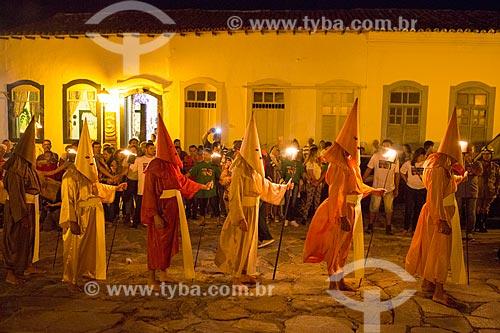 Farricocos durante a Procissão do Fogaréu na cidade de Goiás  - Goiás - Goiás (GO) - Brasil