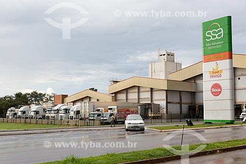 Fachada do Abatedouro Super Frango (São Salvador Alimentos - SSA) na Avenida Leopoldo Bulhões  - Itaberaí - Goiás (GO) - Brasil