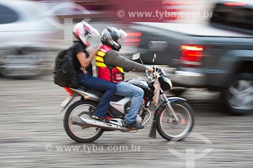 Detalhe de motociclistas no centro histórico da cidade de Pirenópolis  - Pirenópolis - Goiás (GO) - Brasil