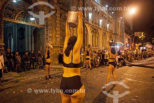 Manifestação marcando 1 mês do assassinato da Vereadora Marielle Franco em frente ao Quartel do Regimento Marechal Caetano de Farias (Batalhão da Polícia de Choque)  - Rio de Janeiro - Rio de Janeiro (RJ) - Brasil