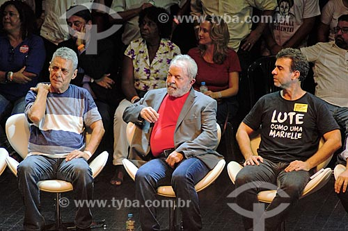 Chico Buarque, ex-presidente Luiz Inácio Lula da Silva e Marcelo Freixo durante ato em defesa da democracia no Circo Voador  - Rio de Janeiro - Rio de Janeiro (RJ) - Brasil
