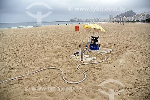 Bomba dágua na orla da Praia de Copacabana  - Rio de Janeiro - Rio de Janeiro (RJ) - Brasil