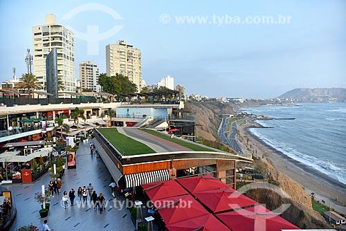 Vista do Larcomar Shopping às margens do Oceano Pacífico  - Lima - Província de Lima - Peru