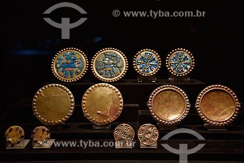 Orejeras de Oro ou Brincos de Ouro - Mochica - Período Auge - 1 d.C. - 800 d.C. - em exibição no Museo Arqueológico Rafael Larco Herrera (Museu Arqueológico Rafael Larco Herrera)  - Lima - Província de Lima - Peru