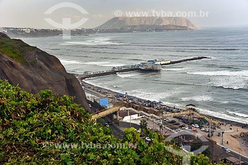 Vista da Playa Makaha (Praia Makaha) no Circuito das Praias da Costa Verde com o restaurante La Rosa Náutica  - Lima - Província de Lima - Peru