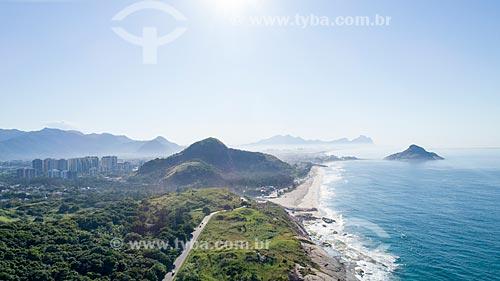 Foto feita com drone da Avenida Estado da Guanabara com a Praia da Macumba e a Pedra do Pontal - à direita  - Rio de Janeiro - Rio de Janeiro (RJ) - Brasil