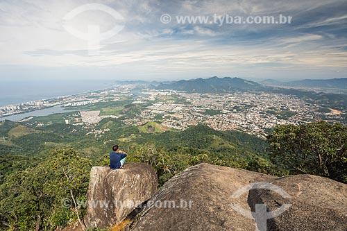 Vista do bairro de Jacarepaguá a partir do Bico do Papagaio no Parque Nacional da Tijuca  - Rio de Janeiro - Rio de Janeiro (RJ) - Brasil