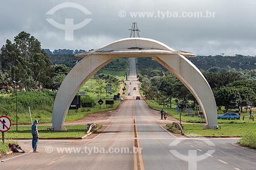 Pórtico da cidade de Alto Paraíso de Goiás  - Alto Paraíso de Goiás - Goiás (GO) - Brasil