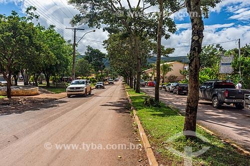 Tráfego na Avenida Ary Valadão Filho  - Alto Paraíso de Goiás - Goiás (GO) - Brasil