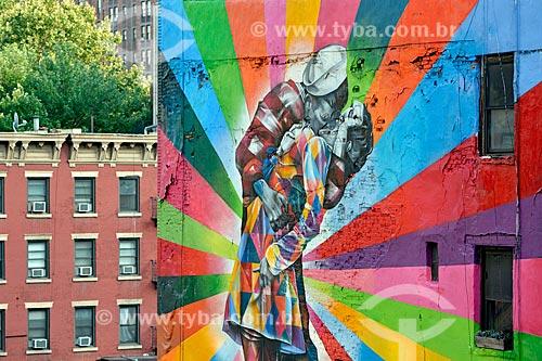 Mural de Eduardo Kobra reproduzindo O Beijo da Times Square no bairro de Chelsea - distrito de Manhattan  - Cidade de Nova Iorque - Nova Iorque - Estados Unidos
