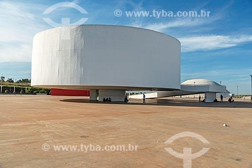 Vista do Museu de Arte Contemporânea (2006) - parte do Centro Cultural Oscar Niemeyer  - Goiânia - Goiás (GO) - Brasil