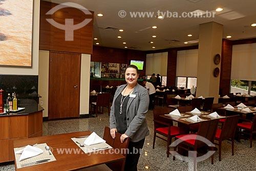 Refugiada Venezuelana trabalhando legalmente em hotel no Brasil  - Manaus - Amazonas (AM) - Brasil