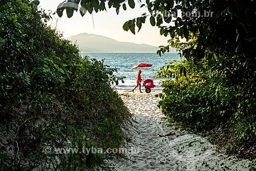 Trilha para a Praia da Daniela  - Florianópolis - Santa Catarina (SC) - Brasil