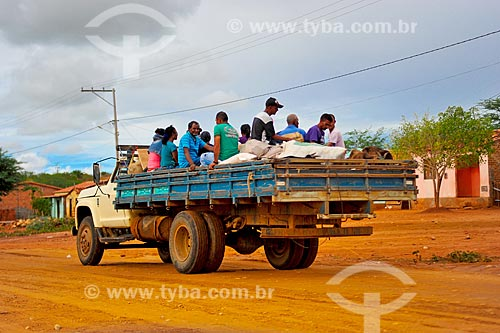 Transporte irregular de trabalhador rural em caminhão  - Euclides da Cunha - Bahia (BA) - Brasil